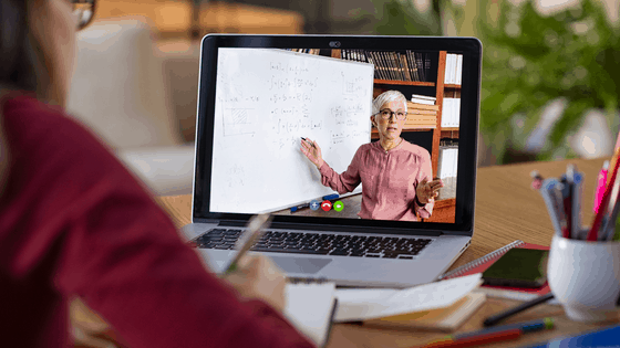 Advantages and Disadvantages of Online Classes in Our Homeschool