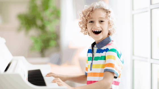 18 of the Best Online Piano Lessons For Kids They Will Love