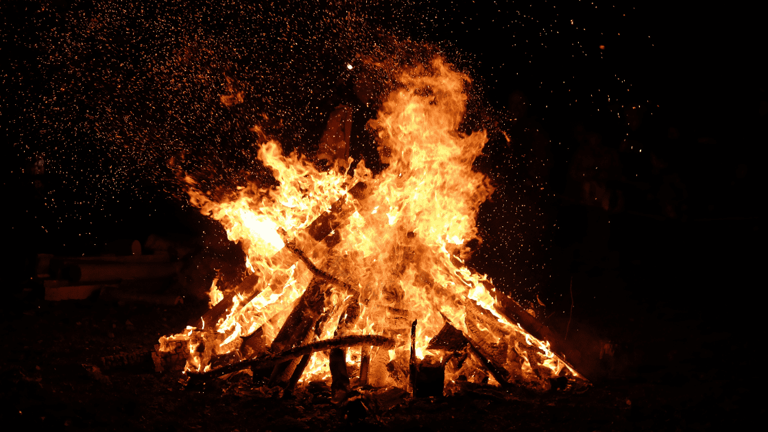 13 Spectacular Bonfire Night Activities That Are Educational & Fun